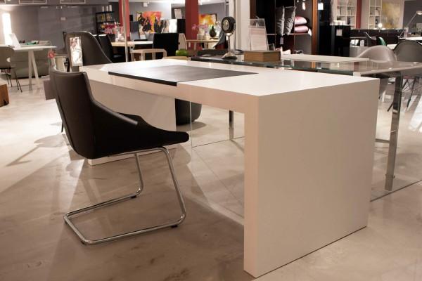 Schreibtisch Lack weiss mit Lederauflage Ausstellungsstück
