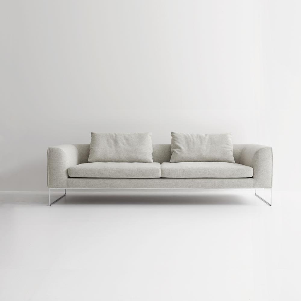 cor conseta sofa mit kufen conseta loungesofas von cor. Black Bedroom Furniture Sets. Home Design Ideas